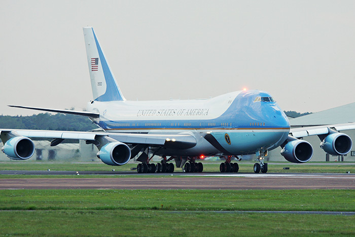 United States Air Force Boeing VC-25A (747-2G4B) 92-9000 (89th Airlift Wing) Air Force One at RAF Fairford