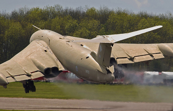 Handley Page Victor K2 XM715 Teasin Tina accidental take off at Bruntingthorpe taxi event, Leicestershire May 2009